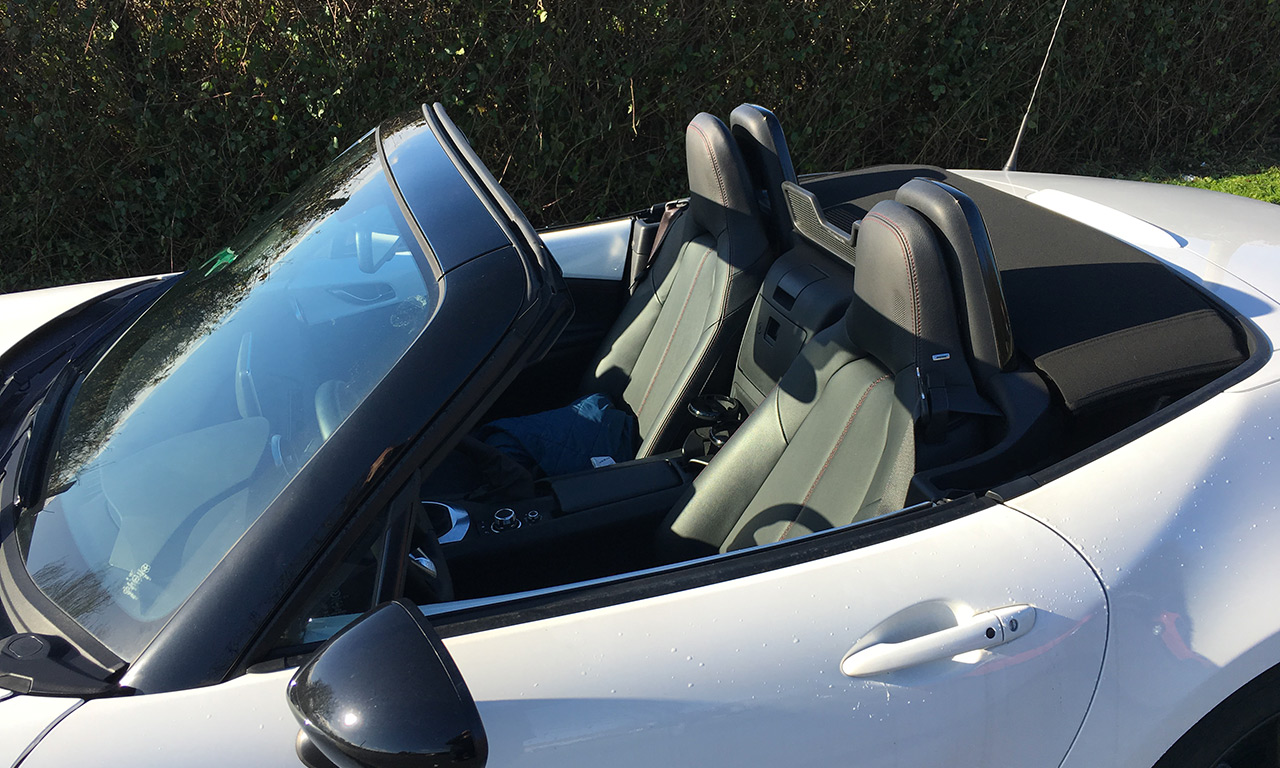 plaisir à bord de la Mazda MX 5