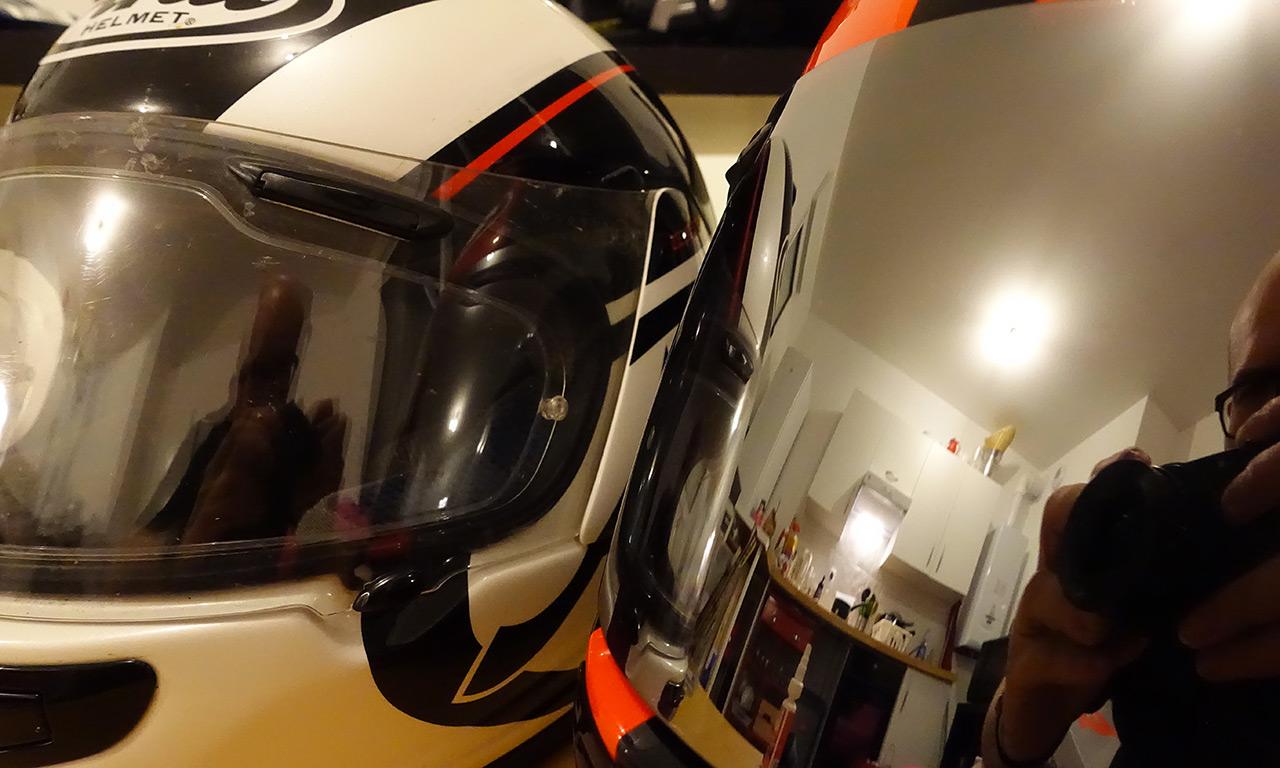 visière claire ou fumée sur son casque de moto