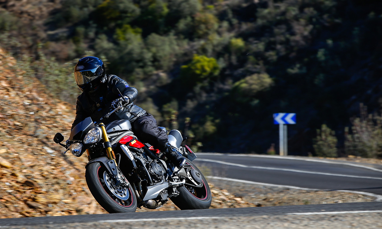 Essai pneu moto Road5 Michelin, David Jazt Speed Triple 1050