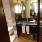 Salle de bain de David Jazt au NH Hotel Plaza de Armas - Séville