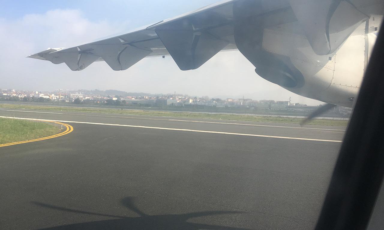 Décollage en avion de Saint Sebastien