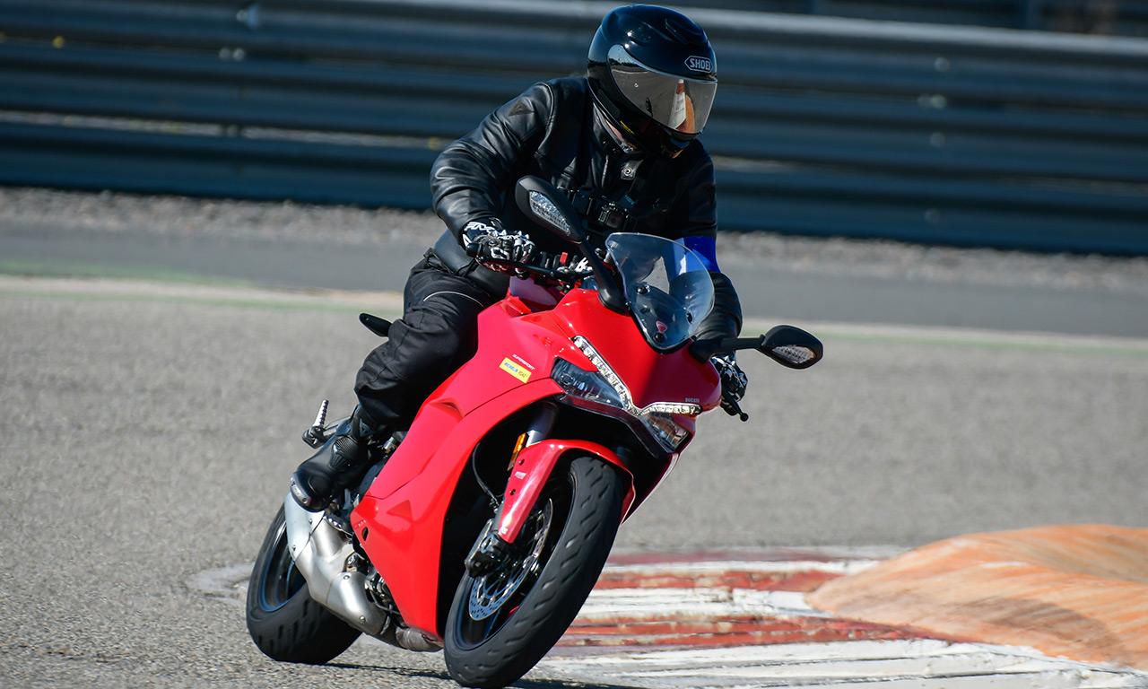 David Jazt en Road5 sur la Ducati Super Sport