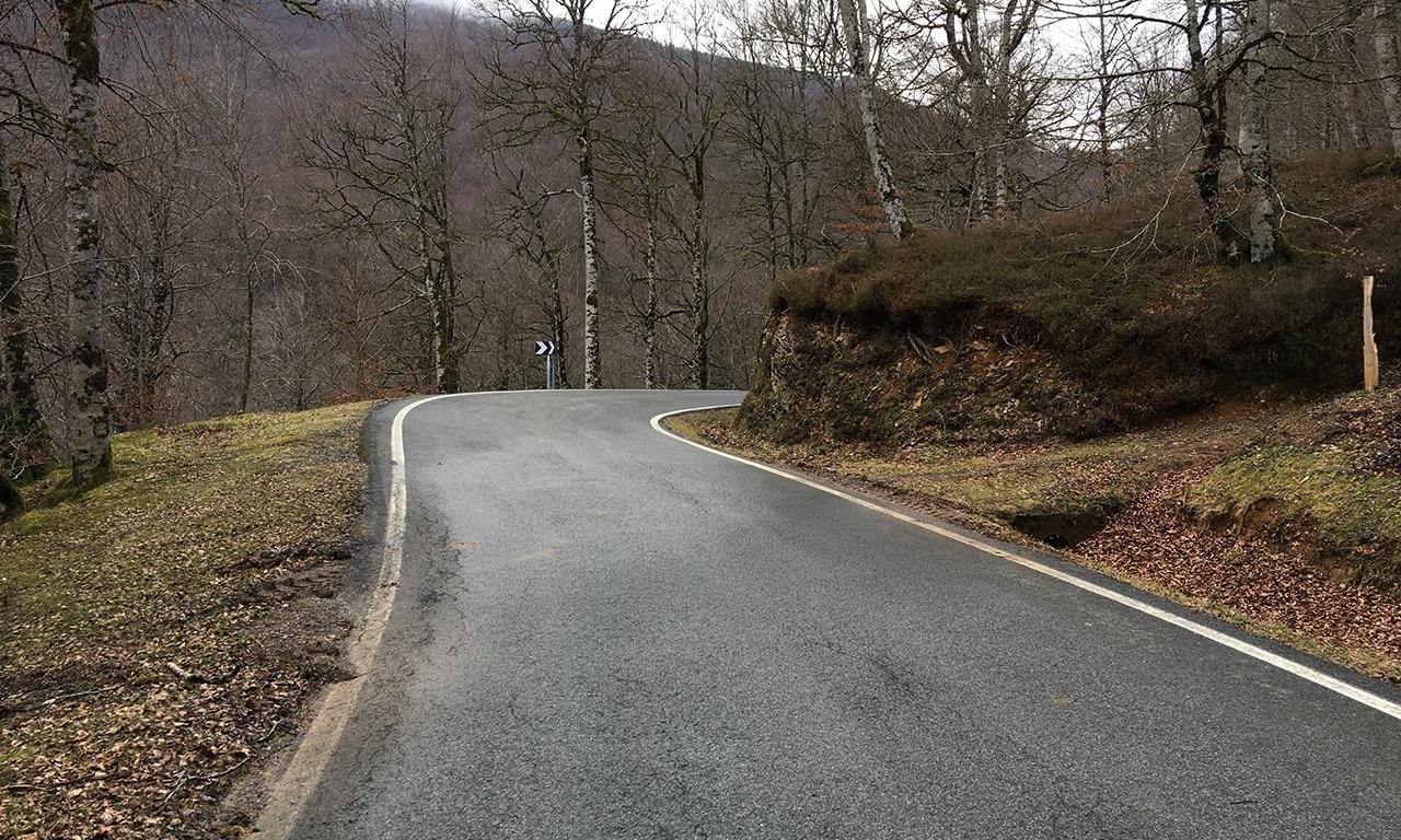 Sinueuses routes pour les motards Basques