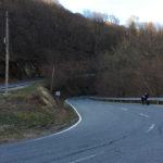 virage moto dans les montagnes Basques