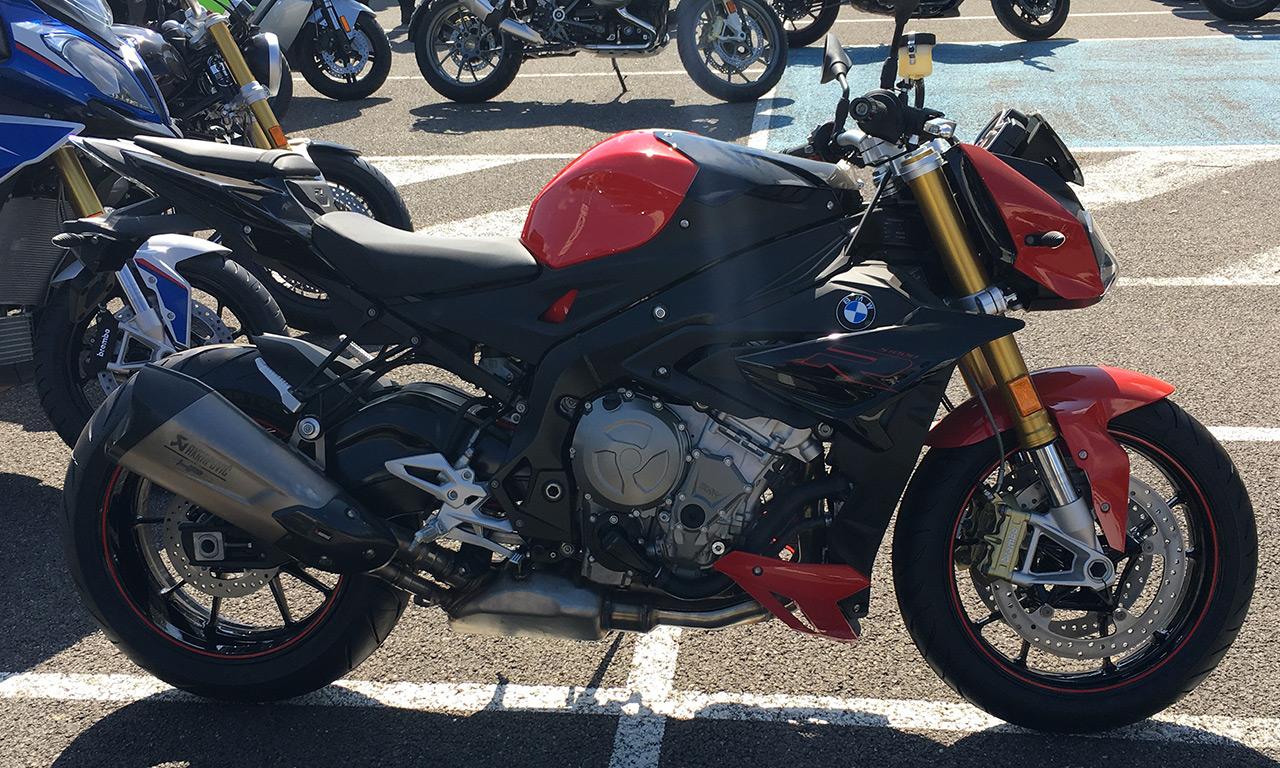 S1000R noire et rouge