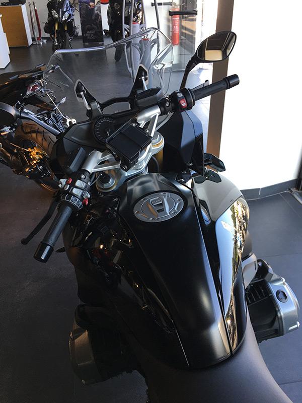 Camp Major Moto propose R1200RS Noire neuve