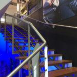 Escalier vers la boutique Speedway à Aubagne