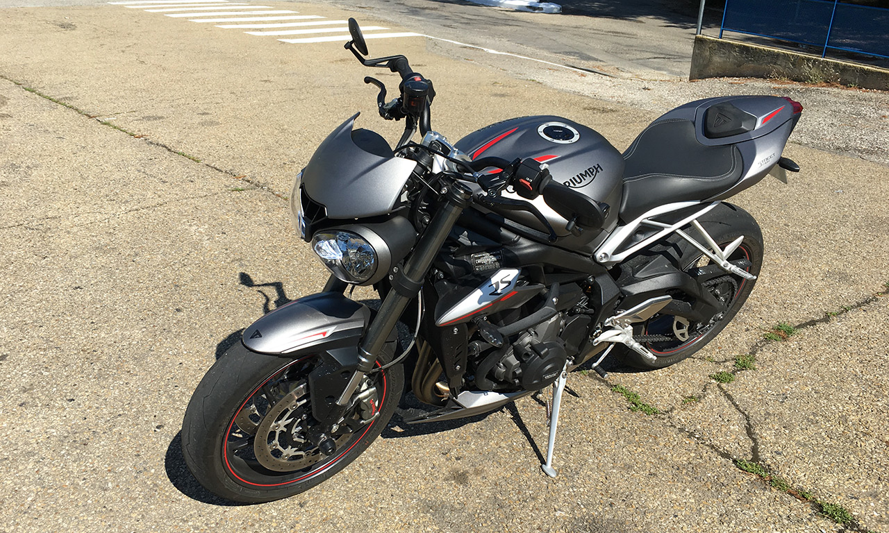 Acheter sa moto Street Triple chez Triumph Provence
