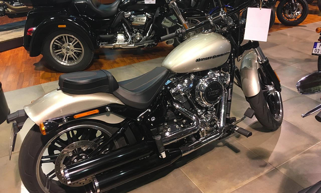 Nouvelle moto Harley Davidson Breakout