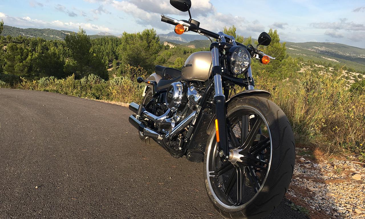 moto custom Américaine : Breakout