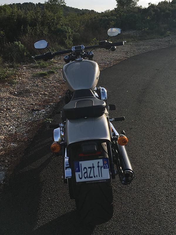 Au guidon du Breakout Harley