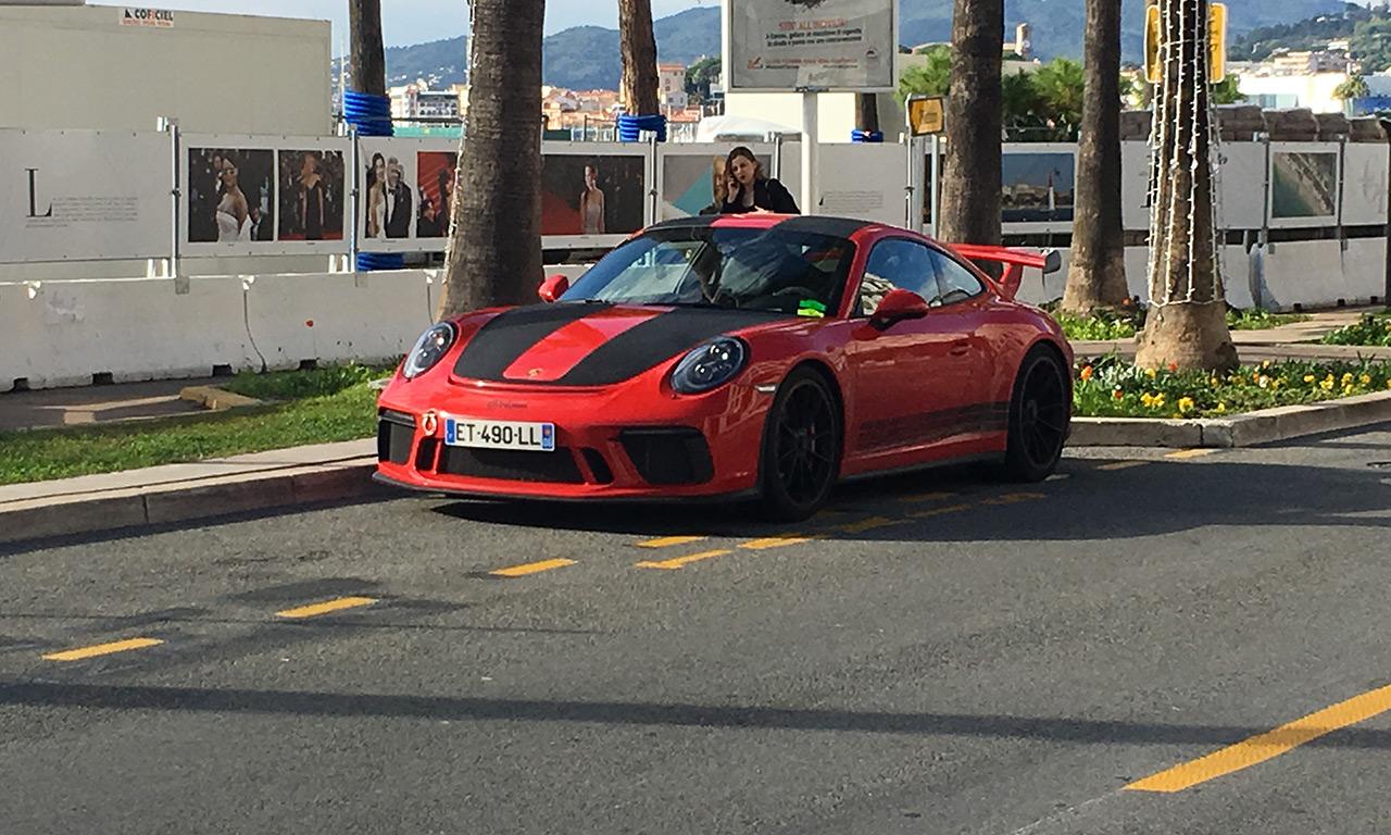 Voiture de luxe sur Cannes