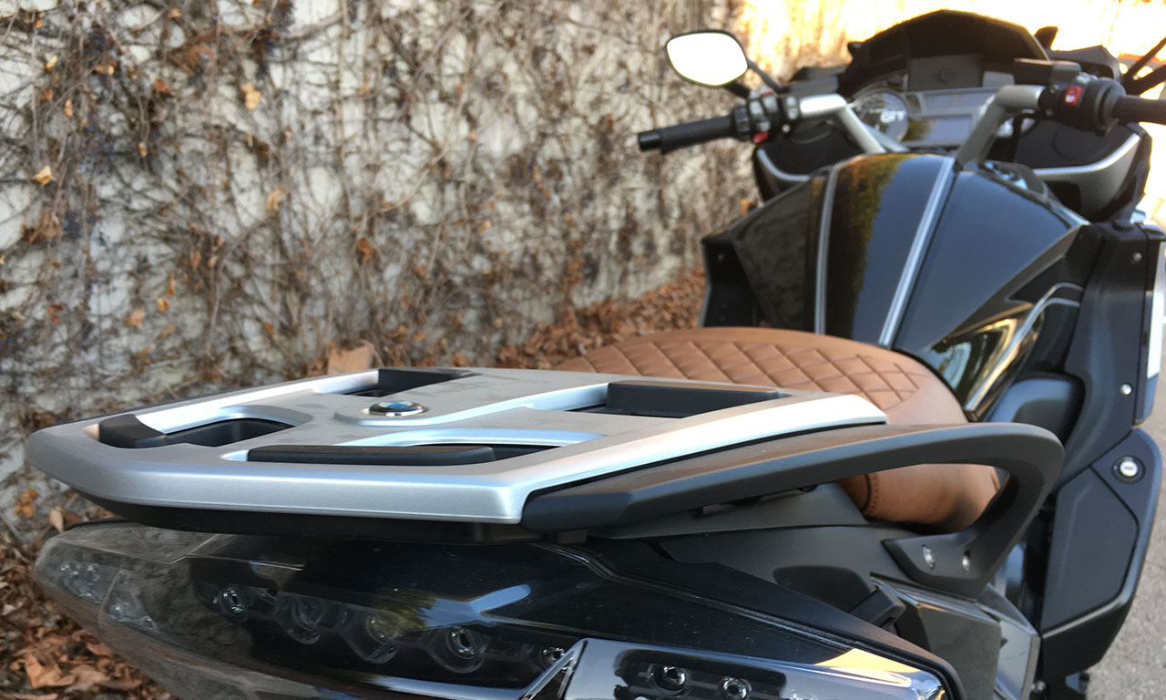 porte paquet de série du le K16GT BMW