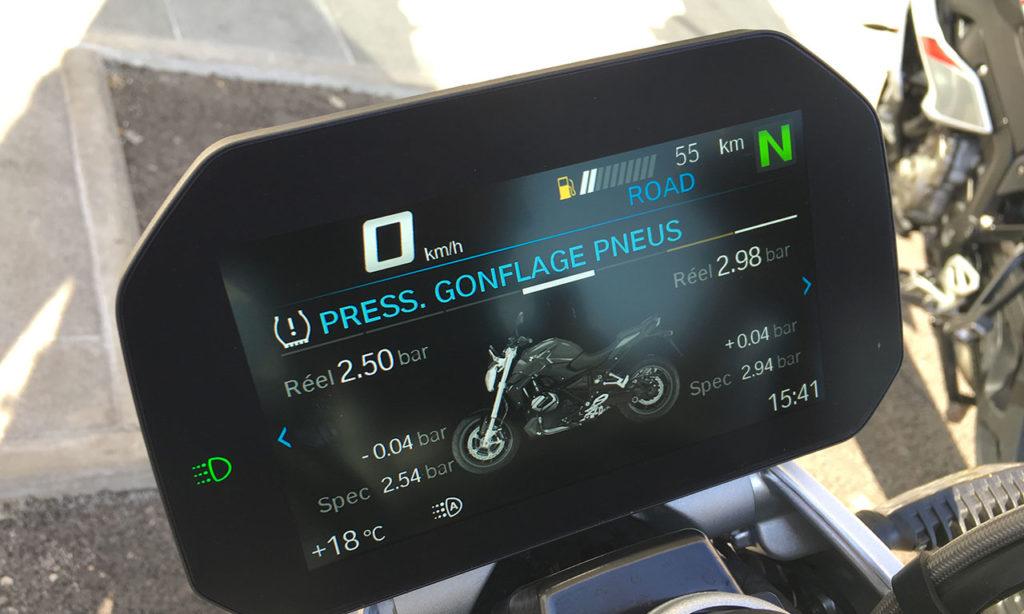 tableau de bord BMW R1250R : ultra complet et lisible