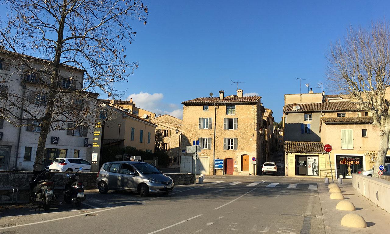 Centre ville de Valbonne : petit village au coeur de Sophia Antipolis