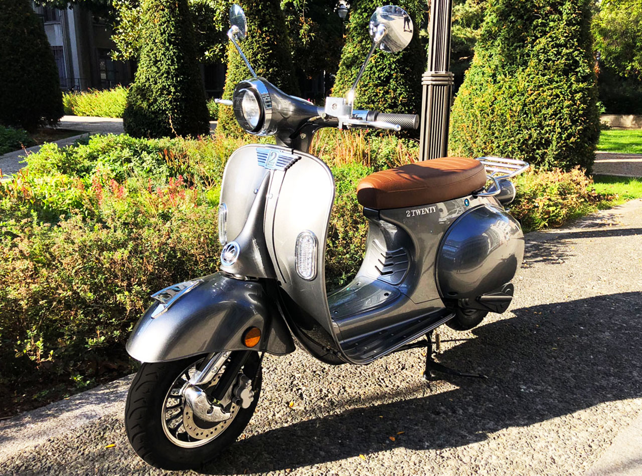 2TWENTY : le scooter électrique branché