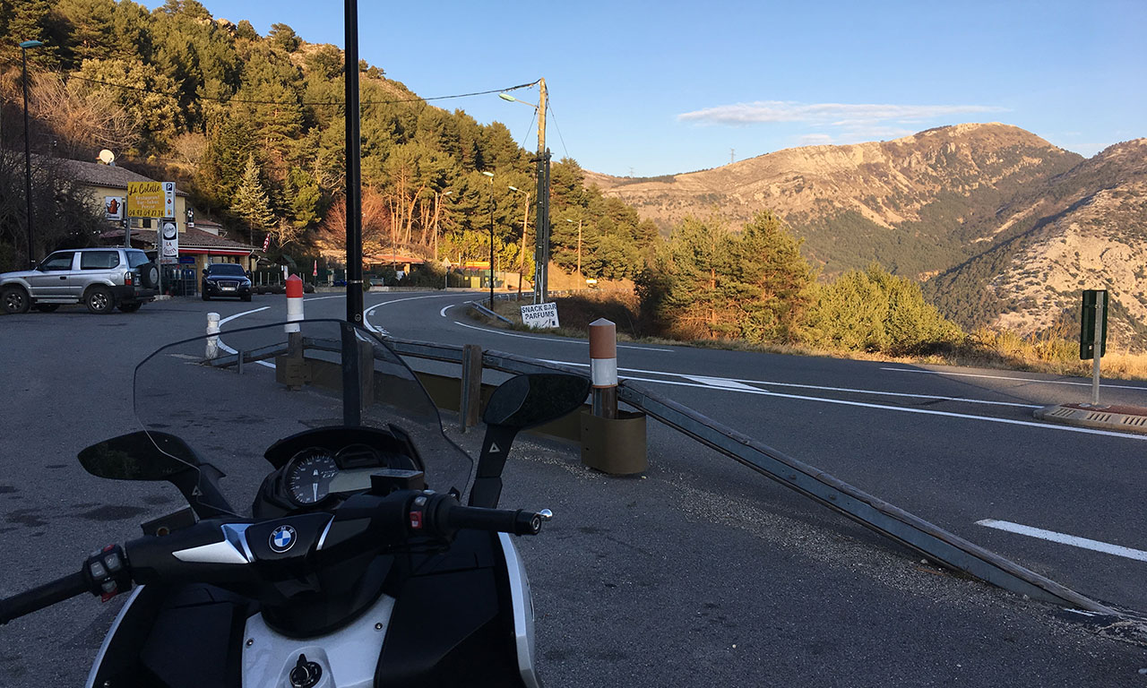 Balade en scooter dans les Alpes du sud au départ de Cannes