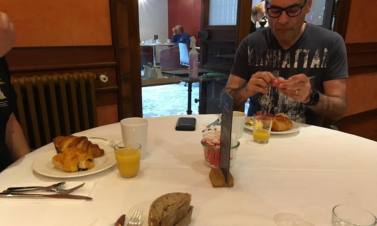 Petit déjeuner à l'hôtel Saint Pierre d'Aurillac