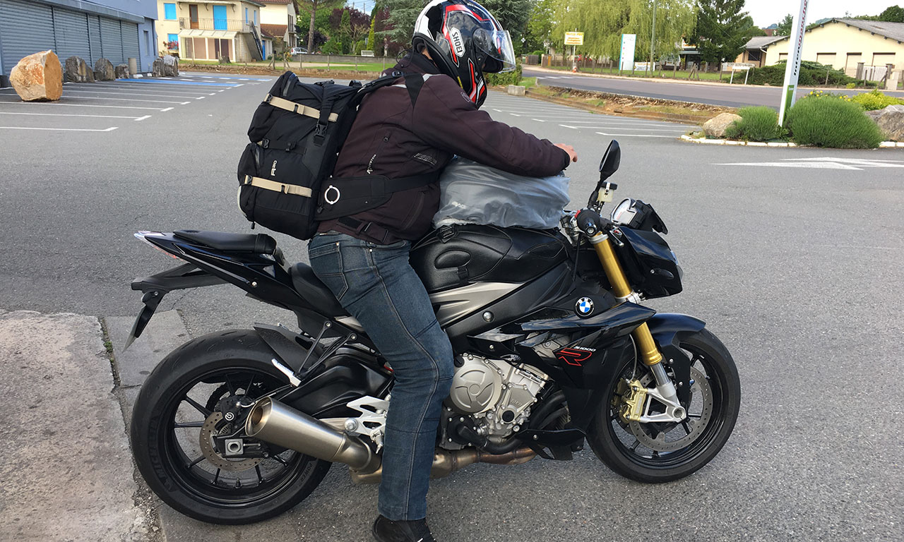Reprendre la route à moto en S1000R avec Arnaud