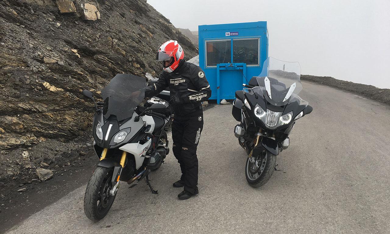Balade moto avec les amis : moto bmw