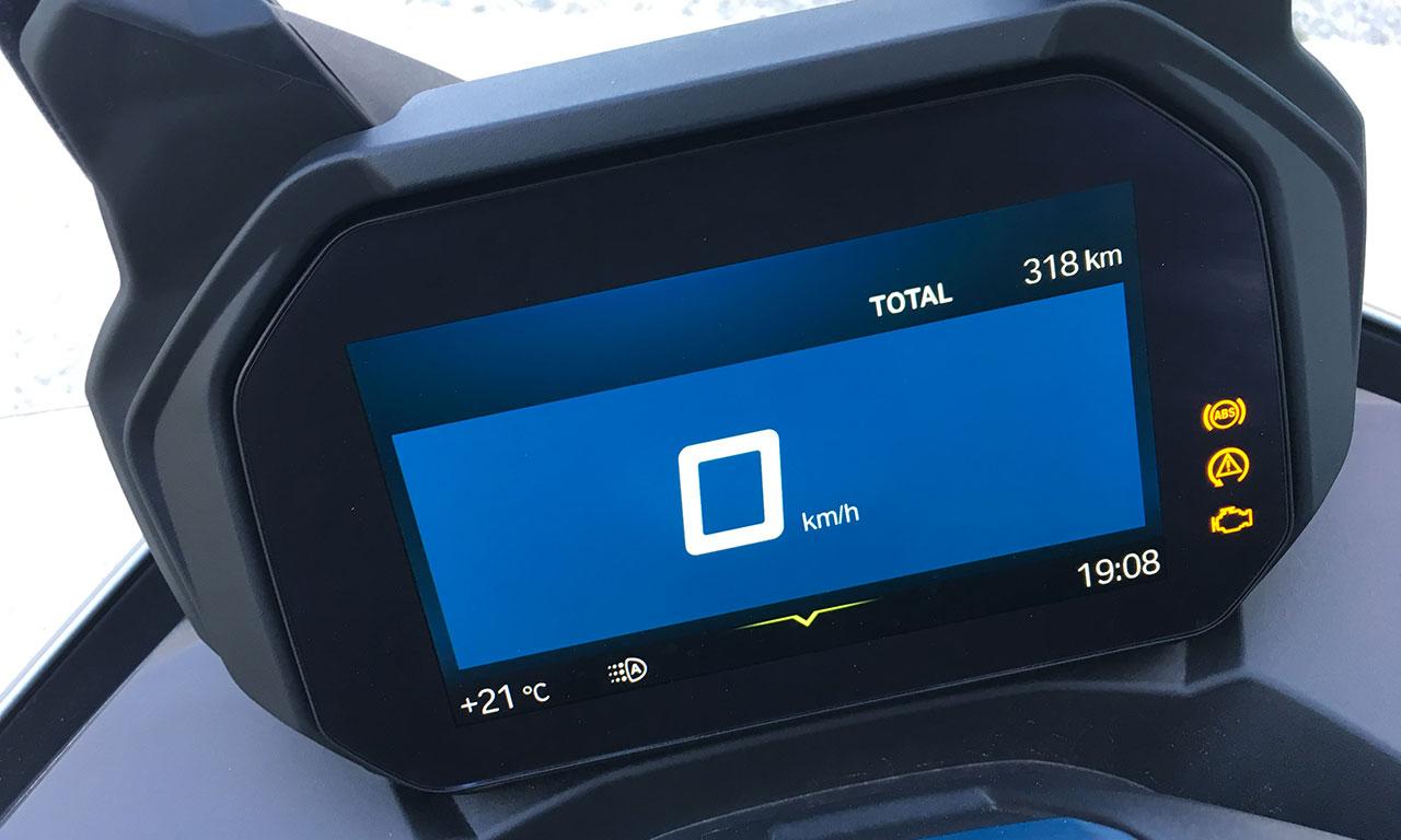 tableau de bord du scooter C400GT, LCD
