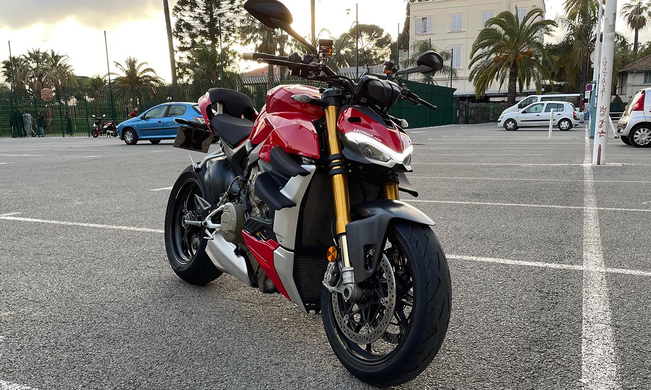 Ducati Streetfighter V4S rouge