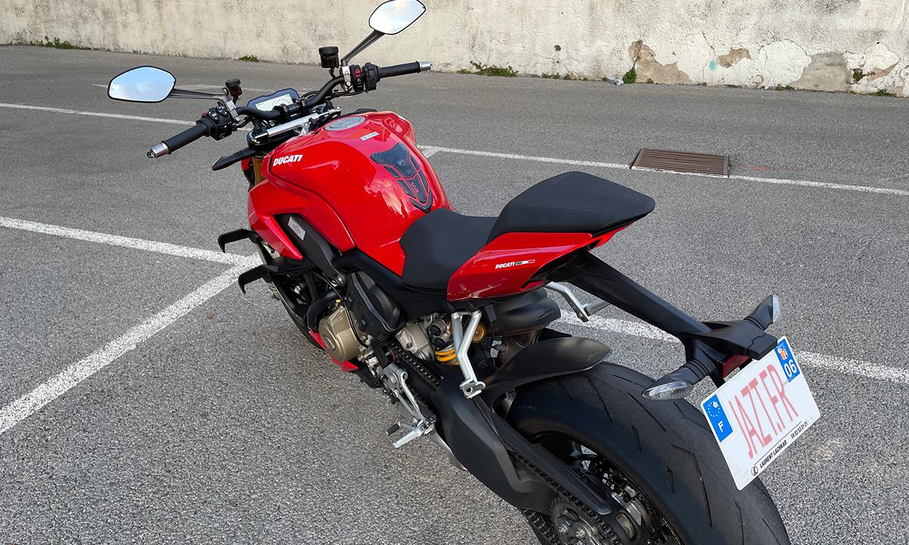 Ducati Streetfighter V4S : une invitation à monter à bord
