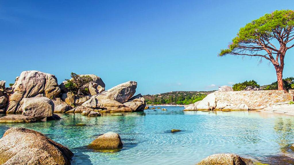 plage paradisiaque en Corse