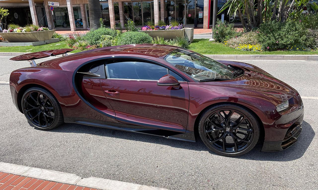 Bugatti Chiron Red Black Limited