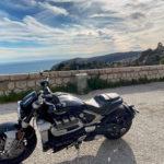Triumph rocket 3R sur la moyenne corniche entre Nice et Monaco