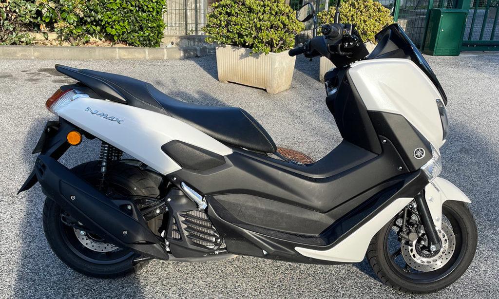 Scooter Yamaha NMax blanc